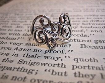 Vintage 925 Sterling Silver Swirl Ring