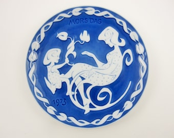 A 1973 Royal Copenhagen 'Mother's Day' Plate - Embossed White Against Delft Blue - 'Mors Dag 1973' - Danish Porcelain Plate - Collector