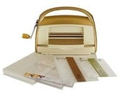 CUTTLEBUG GOLD ANNA GRiFFIN MACHiNE - Limited Edition Bundle with Mats and  Free Folders -