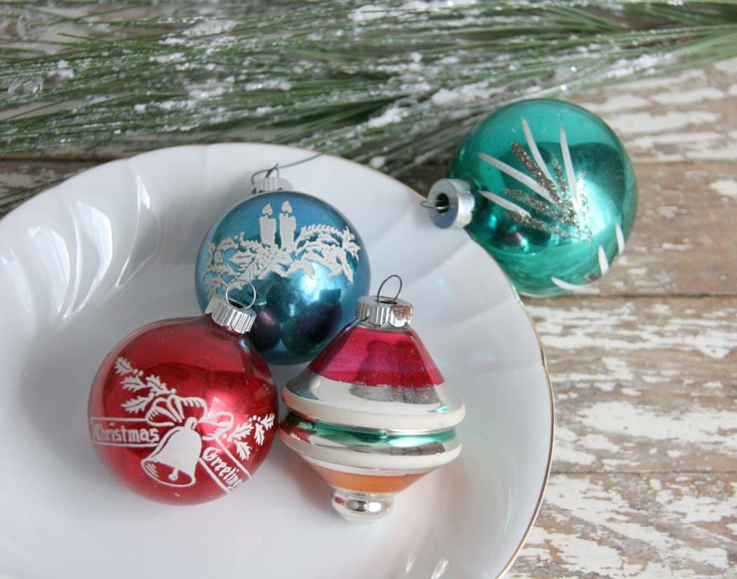 Vintage Shiny Brite Christmas Ornaments set of four glass red