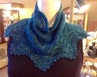 Crochet Cowl Scalloped Pattern