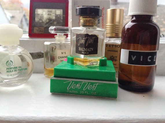 vice perfume + unisex + natural witch hazel base + cocoa + coffee + tobacco + seductive spice