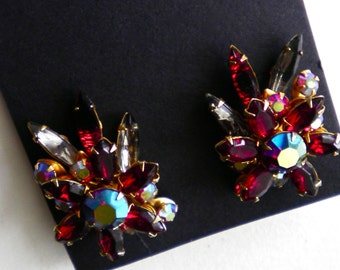 BEAUJEWELS Vintage Rhinestone brilliant Ruby Red & Aurora Borealis Earrings c.1960