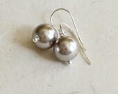 Pearl Earrings Gray - She...