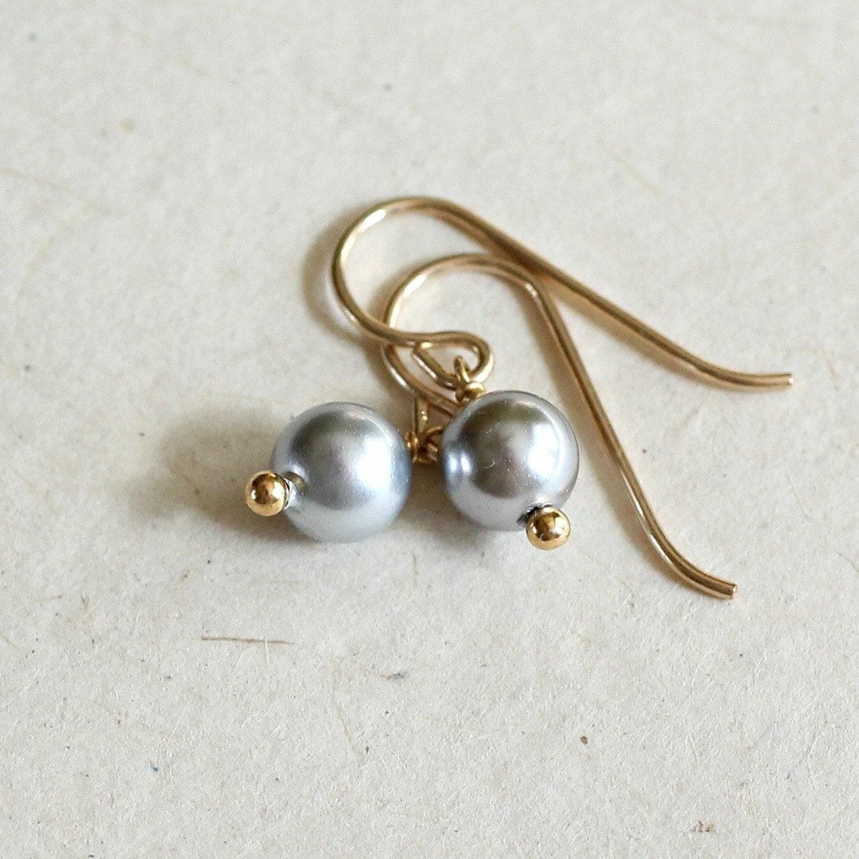 gray pearl earrings small pearl earrings gray pearl