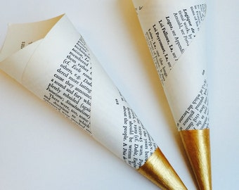 25 Confetti Cones Made In Vintage Book Pages With Hand Painted Gold Tips, Confetti toss, Confetti Bar, Petal Cones