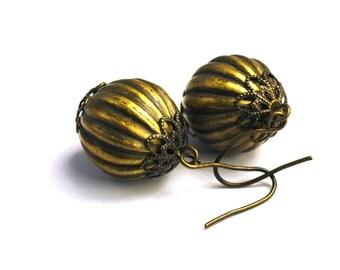 Brass Earrings     Corrugated Orbs     Filigree Detailing     Art Nouveau Jewelry     Vintage
