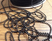 Boutique de vente de liquidation fermeture sortant de la chaîne boule en plastique noir d'affaires 10 verges, chaîne de perles en plastique, perles de Mardi Gras