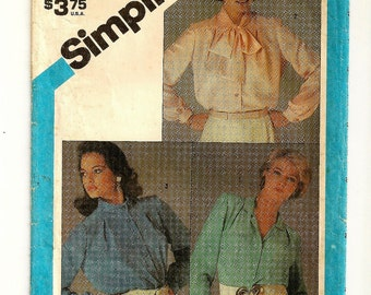 """A Classic Long Sleeve, Front Button Blouse Pattern with Notched, Tie or Stand Up Collar for Women: Size 16, Bust 38"""" • Simplicity 6530"""