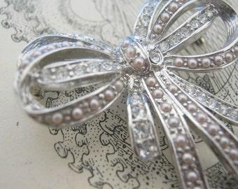 Vintage Pink Pearl Bow Ribbon Brooch