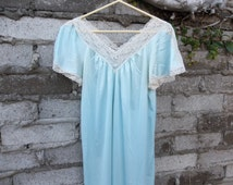Retro Nightgown Light Blue sz Medium Oversized - Large 70s Lingerie Pastel
