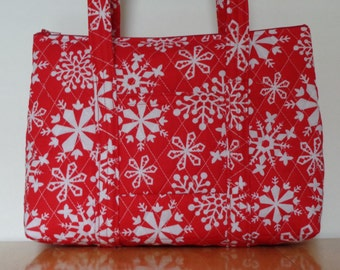 Red White Snowflake Print Quilted Purse