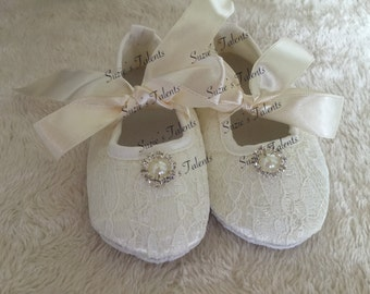 IVORY - Chiffon baby shoes, Classic rosette baby shoes, baby crib shoes, Princess shoes