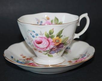 ROYAL ALBERT Bone China Teacup and Saucer Set