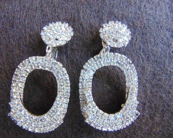 Vintage White Dangle Rhinestone Clip On Earrings