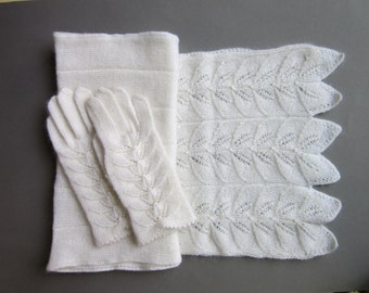 White Wool Scarf and Gloves Warmes Womens Scarf Gifts For Her Fingerless Gloves Softs Scarves Womens Gifts Wool Gloves