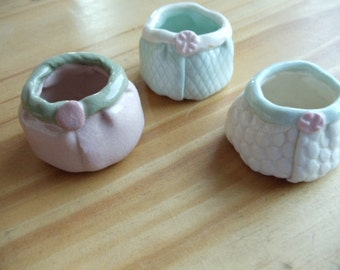 """Tiny ceramic bowls.  Precious handmade set of 3 little bowls in pastels 1.25"""" high and 2"""" across at base."""