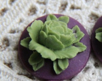 12 Pcs of Resin flower cabochon 18mm-RC0135-1-green on purple