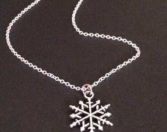 snowflake necklace, snowflake jewlery, christmas necklace, snowflake necklace, winter jewlery