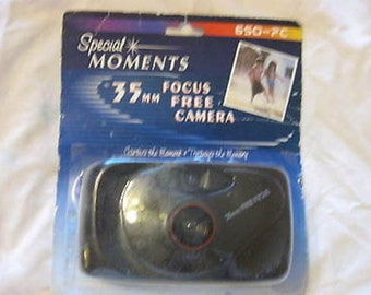 Special Moments 35mm Focus Free Camera 650-PC New C26-5