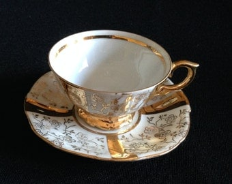 Vintage Heavy Gold and Floral Tea Cup and Saucer (LDT4)