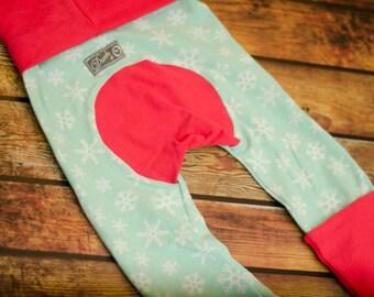 Minty Snowflakes Bum Pants - CD friendly