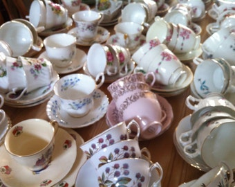 Job lot of 100 Pretty Vintage Tea Cups & Saucers - ideal for Tea parties