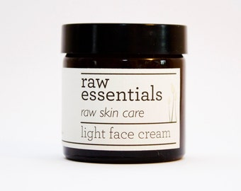 Light face cream for sensitive skin