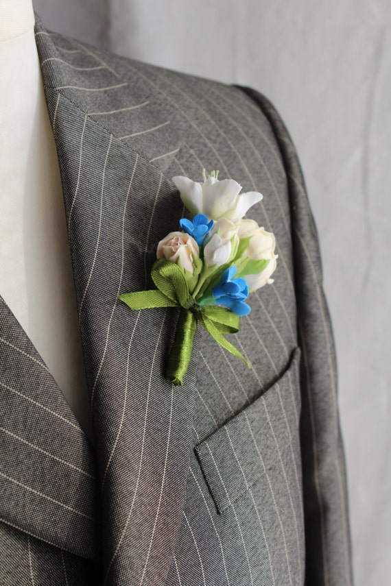 Weddings. Buttonhole Boutonniere for men.  Boutonniere with cream mini rose, azalea and forget me not.   Polymer clay flower.
