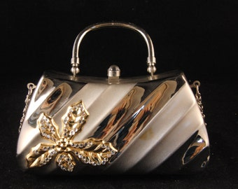 Vintage metal silver purse with flower details