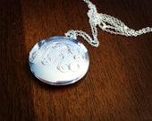 Engraved Monogram Large Locket Necklace -  Interlocking Vine, Bridesmaids Gift, PersonalizedJewelry, Mom Jewelry, Silver or Gold Tone