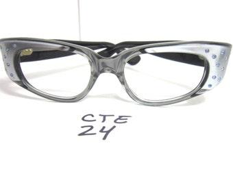 Authentic Vintage Medium Fit 1950s/60s Cat Eye Eyeglass Frame Platinum (CTE-24)