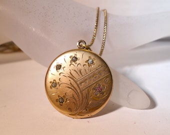 Vintage Edwardian Gold Locket with Rhinestone Stars, Etched Gold Locket