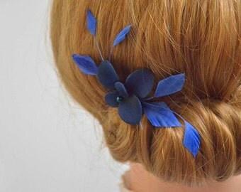 Bridesmaids feather hair comb Bridal feather clip Wedding headpiece Navy feather hair clip Bridesmaid hair piece Wedding hair accessories