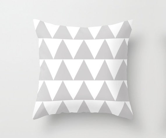 Grey and White Triangle Pattern Throw Pillowcase