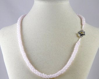 Russian Spiral Beaded Necklace in Pale Pink and White