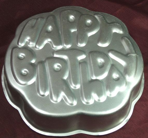 How To Use Wilton Happy Birthday Cake Pan