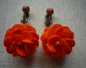 Vintage 1960's Mod Plastic Orange Dangling Clip On Earrings