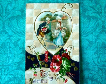 Vintage Winsch Valentine Postcard. Couple in Powdered Wigs, Gold Detailing & Embossed
