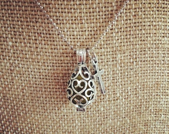 Antique silver filagree diffuser necklace with cross charm
