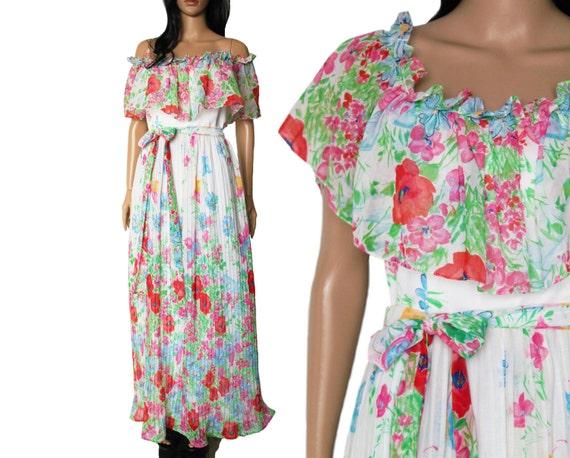 Items Similar To 70s Bohemian Floral Maxi Dress Long Flowy