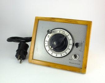 Vintage Exposure Timer Photography Timer Darkroom Timer Photographer Timer 60 Seconds Interval Timer Metal and Wood Working Condition 220 V
