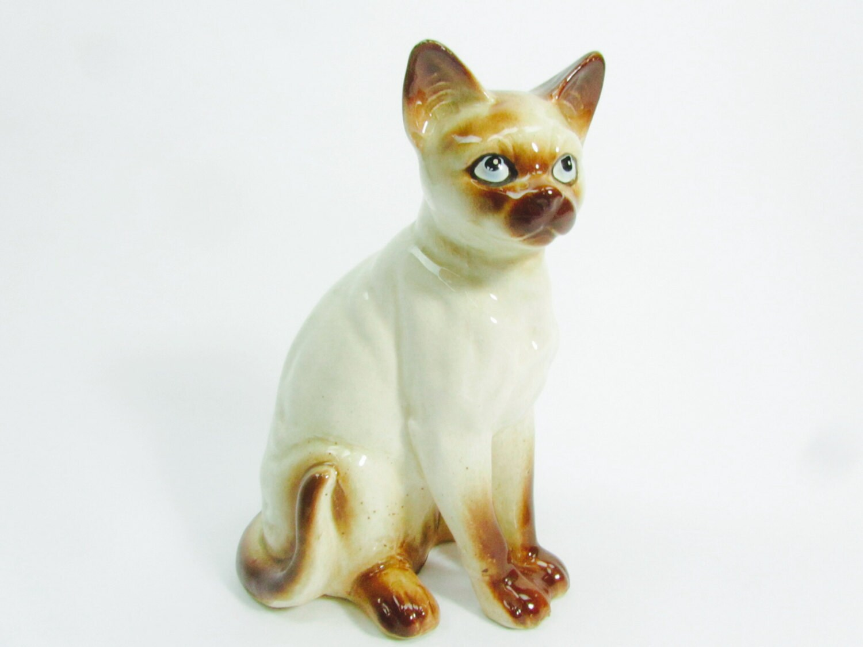 Cat figurine siamese cat porcelain cat home decor for Cat decorations home