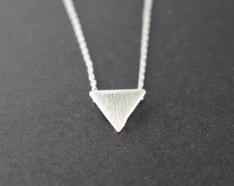 Triangle necklace in Silver - Geometric