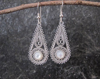 Pearl earrings,Silver earrings,Filigree earrings, Mother of Pearl earrings, Israel jewelry, Ethnic earrings