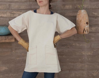Artist smock #3 / work shirt / short sleeve scoop neck tunic with pockets