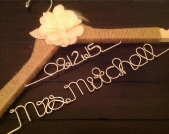 Rustic personalized bride hanger/Wedding date/Jute wrapped/Ivory burlap flower/wedding hanger/Bride/Name hanger