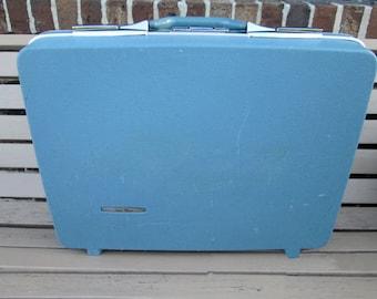 Vintage TRAVEL MASTER Hard Side Suitcase