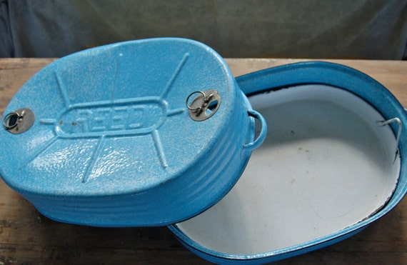 Blue Enamelware Roasting Pan with Insert Tray, Reed Extra Large Blue Speckled Self Basting Turkey Roaster Farmhouse Graniteware Thanksgiving
