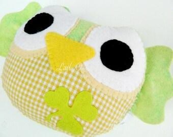 Lucky green Little Owl Felt Home Decoration / Toy
